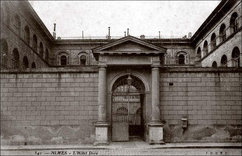 Foyer De L Ancien Hotel Orchamps : De l hôpital ruffi à la chambre commerce nimes